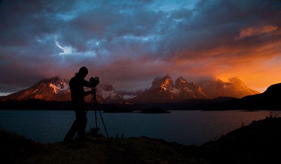 Alexandre devant les Cuernos, Torres del Paine : © Mathieu Le Lay