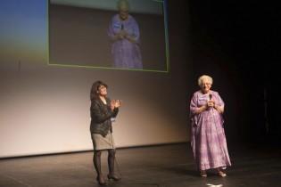Patricia Ondina accueillant Anne-Marie Salomon
