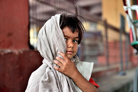 Petite fille des rues de Delhi ©Photo Jamel Balhi