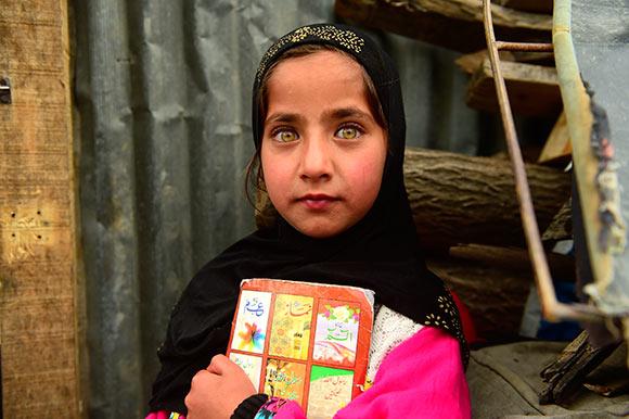 Kashmir-Ecolière-de-Srinagar-©Photo Jamel Balhi